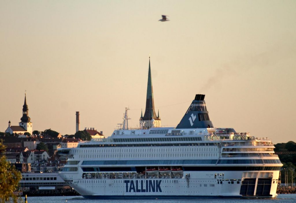 The government will be discussing options on Sunday for a phased re-opening of the Estonia border. Tallink and other ferry lines are eagerly waiting for the green light to start regular movement again. Kuva: epa08348346